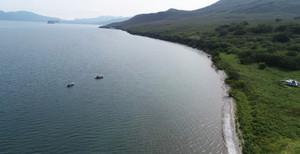Спасатели начали поднимать тела из Курильского озера