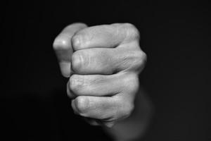 В Приморье судят двух несовершеннолетних «джокеров»-грабителей