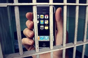 Звонок из «зоны»: Телефон и смекалка помогли «заработать» жителю Артема