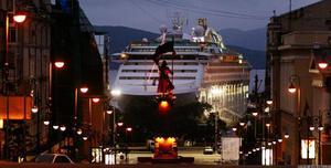 Круизный суперлайнер прибывает во Владивосток