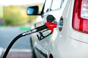 Названы простейшие способы сэкономить на бензине