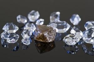 Крупные алмазы с высоким спросом выставят на аукцион в Приморье