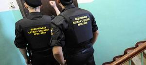 Граждане несуществующей страны угрожают судебному приставу в Приморье