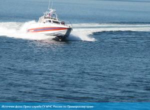 В Приморье спасли сапсерфера, которого уносило в открытое море