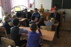 Двукратный чемпион мира по кикбоксингу провел мастер-класс в Дальнереченске